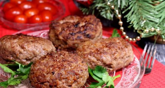 Wild couple cutlets (from elk and wild boar meat)