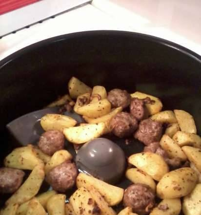 Pan-baked potatoes, whole, in their uniform