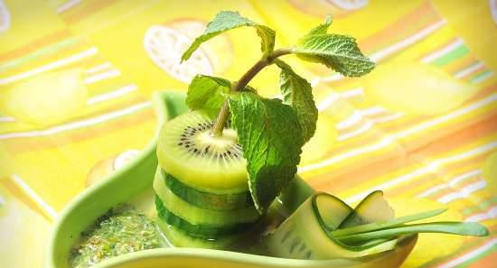 Mint salad with cucumber and kiwi