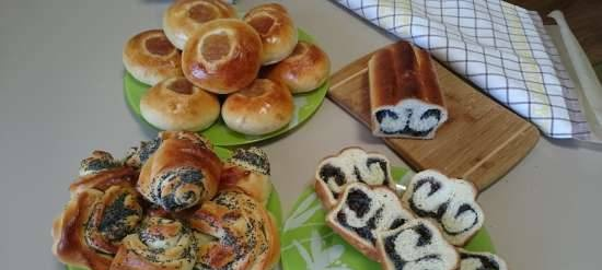 Poppy butterflies, buns and cheesecakes with jam