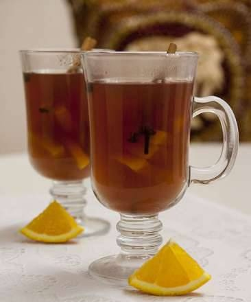 Honey mulled wine with black pepper