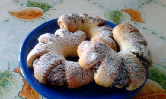 Bagels with jam or homemade nutella