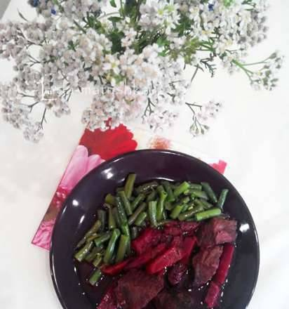 Beef stew with beets (for Zigmund & Shtain MC-DS42IH multicooker-bread machine)
