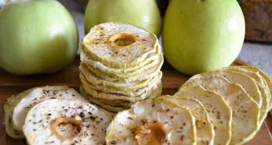 """Antonovka chips """"caramel"""" with salt and spices"""