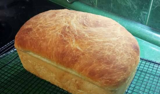 Rustic molded wheat bread (without kneading)