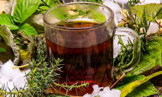 Frosty tea made from conifers and naturally fermented leaves