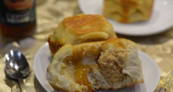 Buns with salted apple and sweet toffee