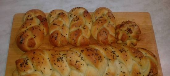 Yeast potato dough without eggs and milk