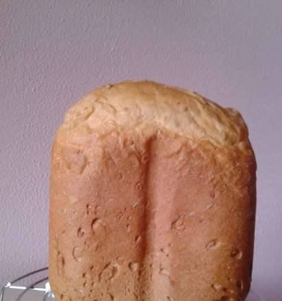 Gorenje BM 900 WII. Plain white bread with flax, sesame and sunflower seeds