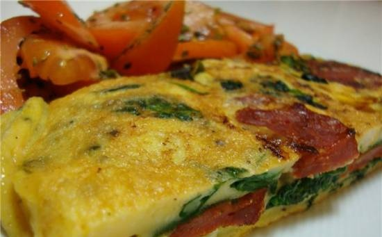 Omelet with smoked sausage and spinach