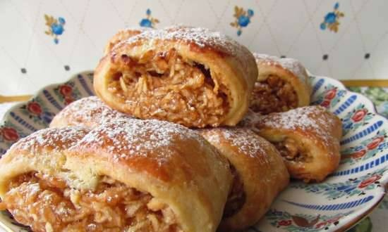 Tender rolls with apples (plus a roll with plums from this dough)