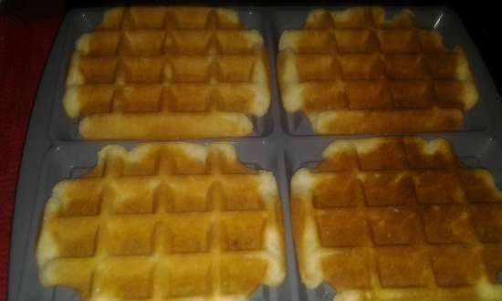 Loose sandy thick waffles