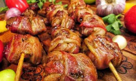 Liver skewers in bacon
