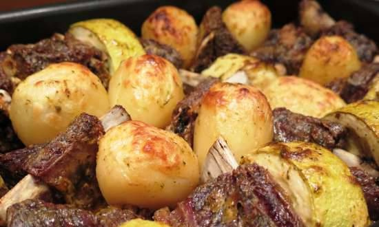 """Beef ribs baked with potatoes and zucchini. And the """"tale"""" about the leg of lamb ..."""