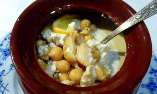 Trumpeter with chickpeas in a pot