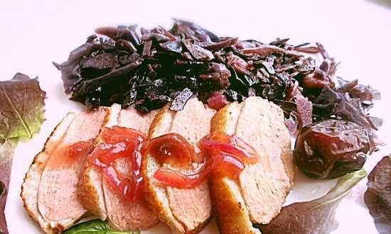 Baked duck breast, red cabbage and caramelized onion sauce