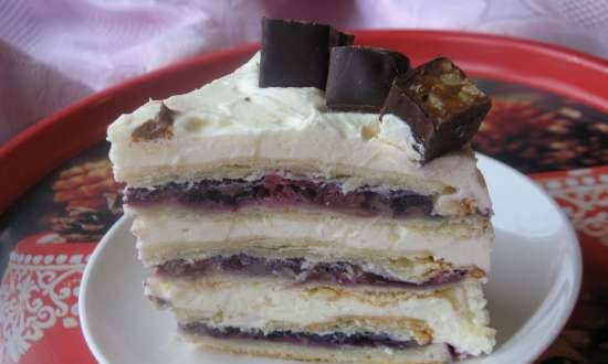 Napoleon with poppy and berry filling