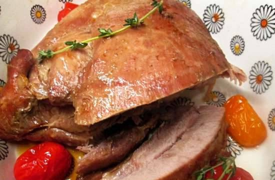 Baked turkey thigh with honey
