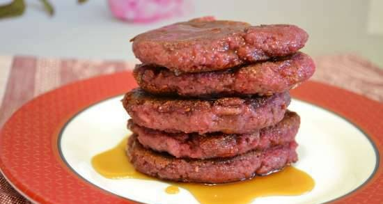 Lean whole-wheat pancakes with flax bran and pureed raspberries