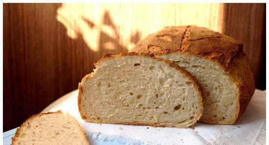 """Beer bread with toasted barley according to the recipe from the book """"Bread. Technology and recipes"""" by J. Hamelman"""
