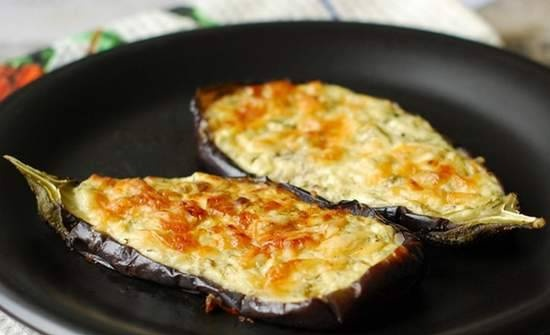Kucerikas - eggplant baked with cottage cheese, cheese and herbs