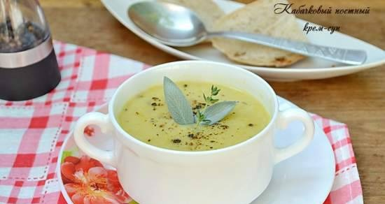 Lean squash cream soup with thyme and sage