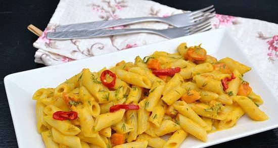 Lean pasta with pumpkin and curry