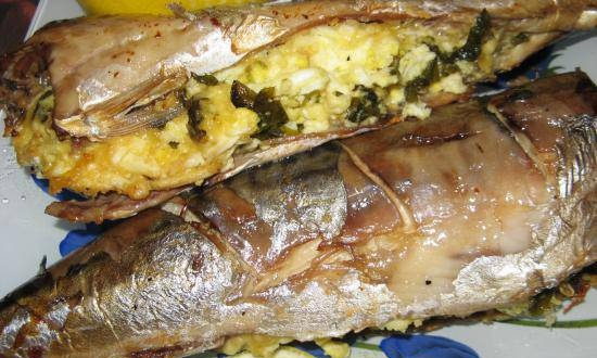 Baked mackerel stuffed with cheese and eggs (option 2)