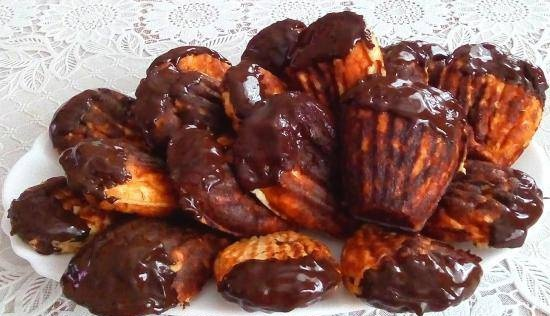 Cottage cheese shells made from starch-free flour with orange and chocolate in the Madeleine liver dish Prinsess