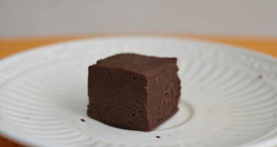Chocolate fudge from boiled condensed milk and Nutella