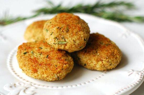 Quinoa cutlets with almonds, rosemary and Dijon mustard