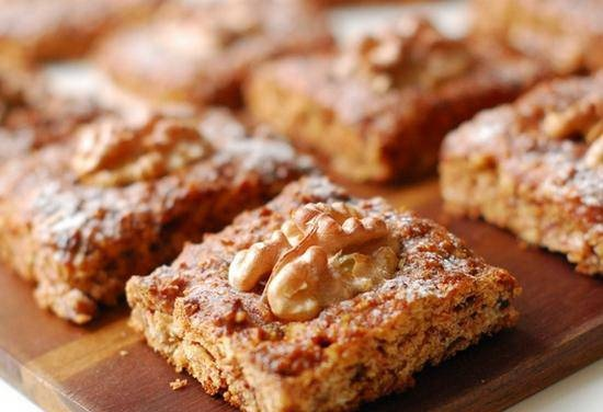 Cookies with apples, dates and walnuts