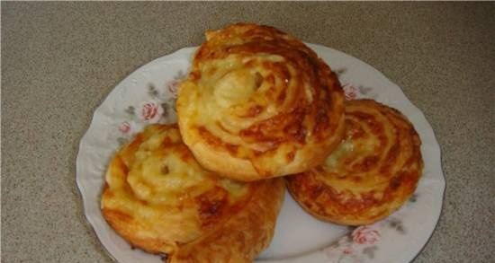 Puff buns with cheese
