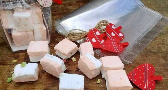 Marshmallows with candied fruit and orange jam