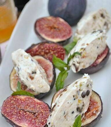 Figs with cottage cheese, dates, pistachios and chocolate