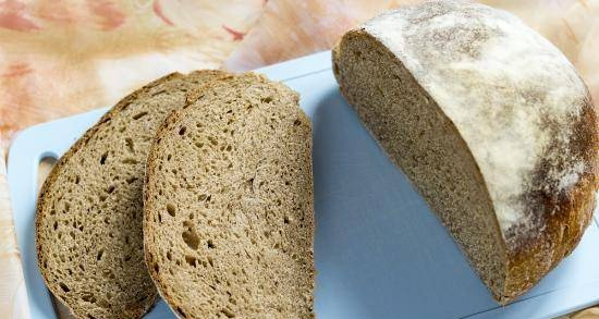 Bread with 40% rye flour and sourdough caraway seeds (J. Hamelman)