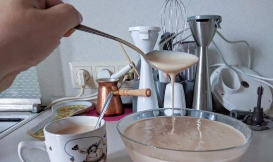 Fermented baked milk from baked milk (the complete process of simmering and fermenting milk in a multicooker)