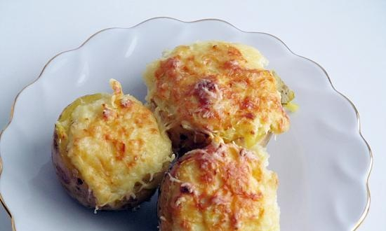 Potatoes stuffed with cheese (+ video)