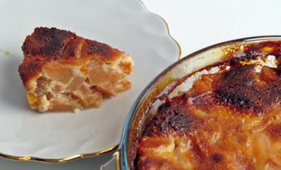 Quince baked in sour cream sauce (+ video)