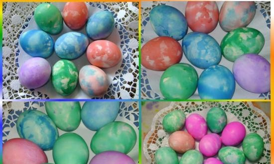 We paint eggs for Easter with corrugated paper