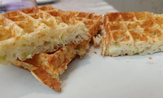 Simple cabbage-curd waffles