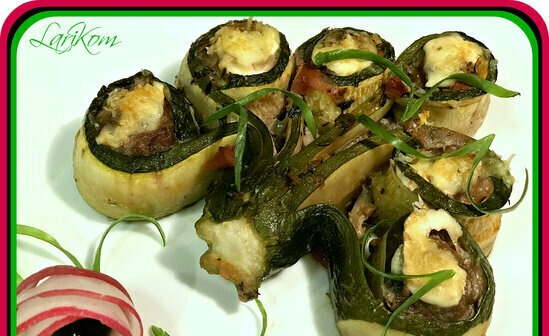 """Zucchini stuffed with """"bunches"""""""