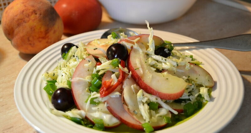 """Cabbage fruit and berry salad """"Summer, however!"""""""
