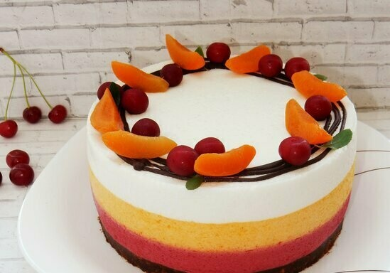 """Souffle cake """"Summer"""" from whipped jelly"""
