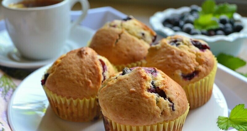 Muffins with currants (+ video)