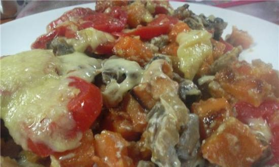 Pumpkin with mushrooms and tomatoes