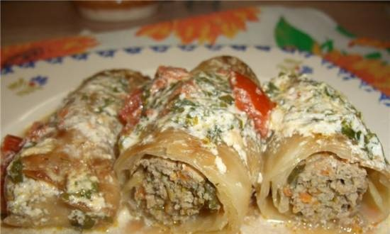 Stuffed cabbage rolls and peppers in sour cream sauce by Admin