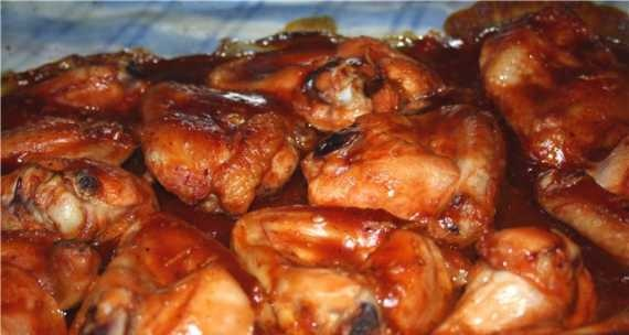 Chicken wings in ketchup