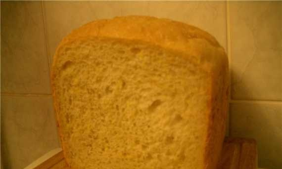 Wheat bread with corn grits