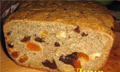 Rye bread with dried fruits and nuts